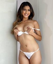 Sophia Leone